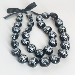 Jewelry - Turtle Necklace Black White Chunky Lightweight